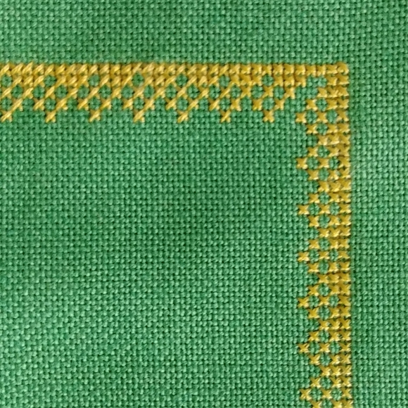 4/$15 - vintage hand made tray cloth or placemat